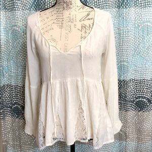 American Eagle top. NWT size Small 🍁